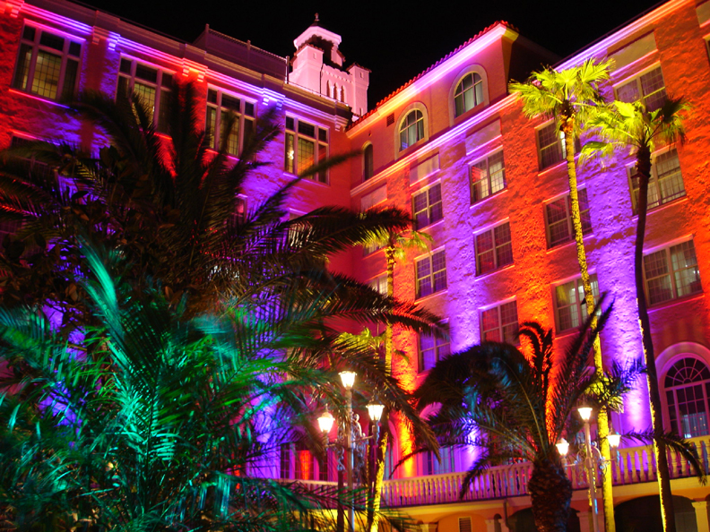 Don CeSar purp red tree